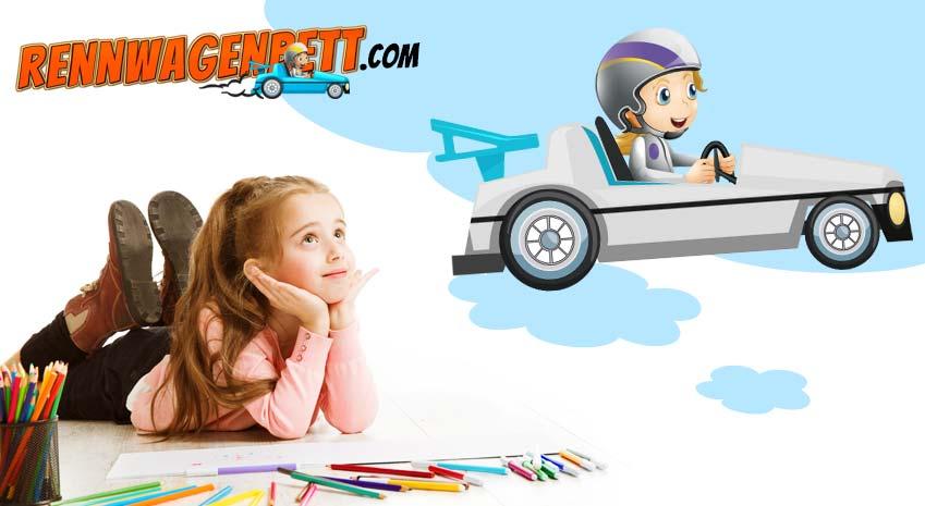 Kleines Mödchen trümt von einem Rennwagenbett weiß, während es mit Bundstiften malt
