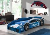 Rennwagenbett in Poizeiauto Optik von Viepack in Kinderzimmer vor blauem Teppich
